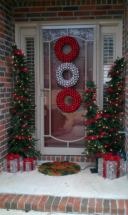 21 Christmas Porch Decoration Ideas : ideas to decorate door for christmas - www.pureclipart.com