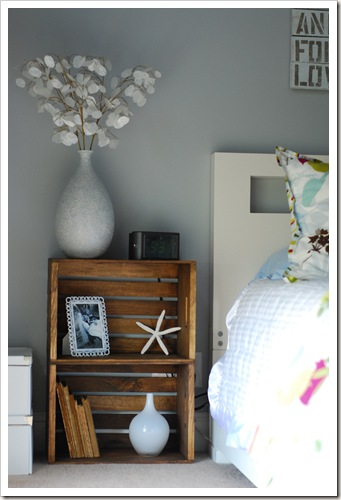 22 Nightstand Ideas For Your Bedroom