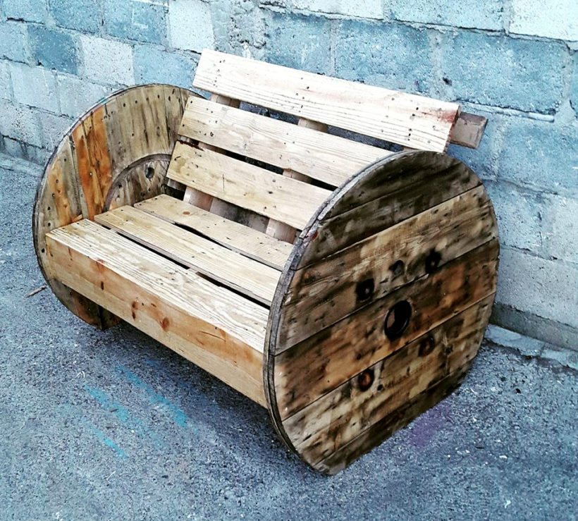 diy pallet and spool bench